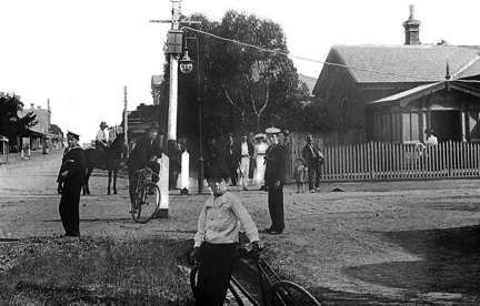 Old Mornington Post Office corner 1912
